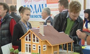 На выставке деревянного домостроения